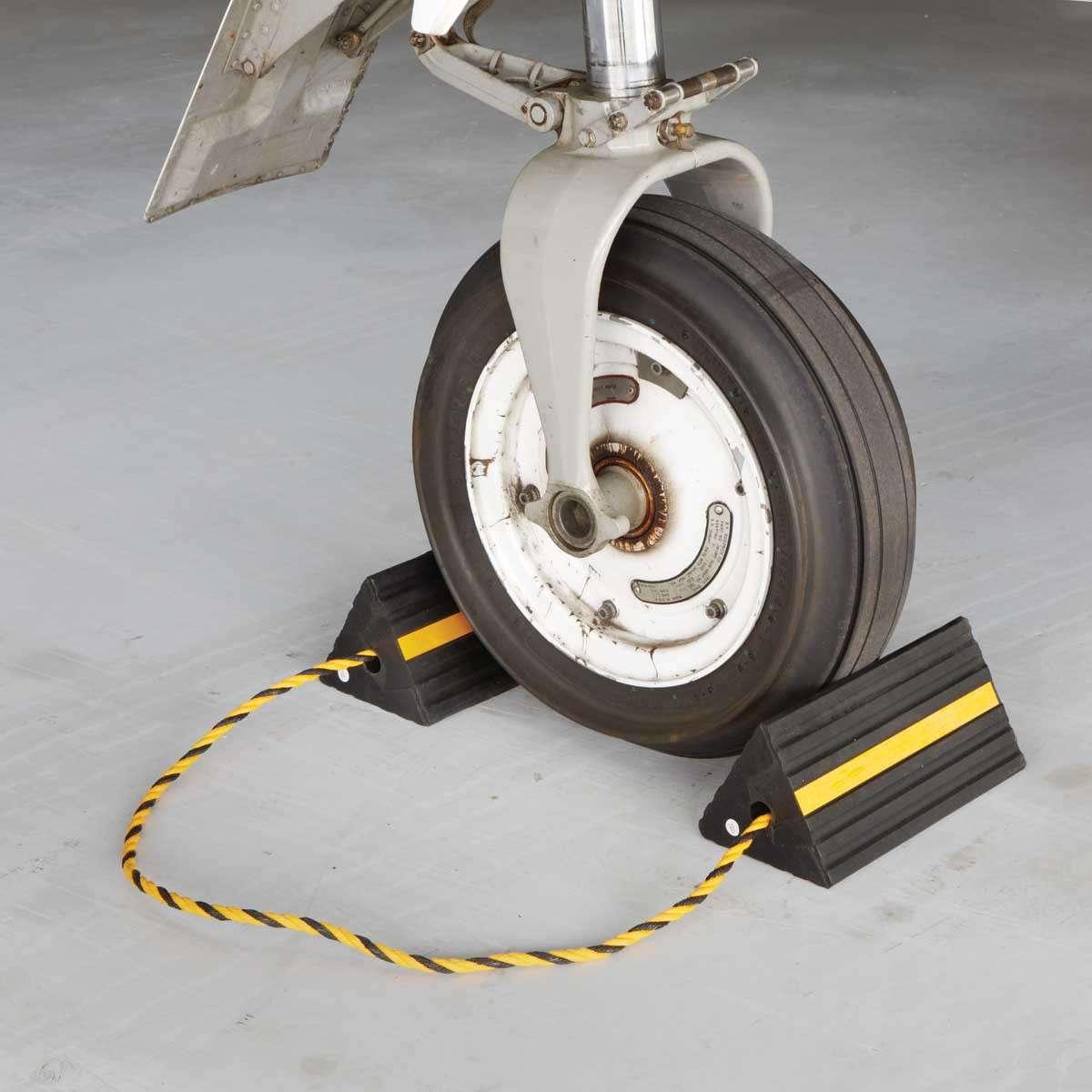 DIY airplane wheel chocks - RC Kavala
